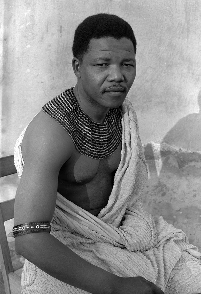30 Pictures Of World Leaders In Their Youth That Will Leave You Speechless - Young Nelson Mandela In 1961