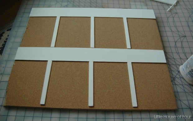 Weekly cork board organizer - Little House of Four