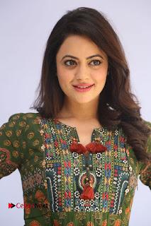 Actress Shruti Sodhi Pictures at Meelo Evaru Koteeswarudu Trailer Launch  0005.JPG