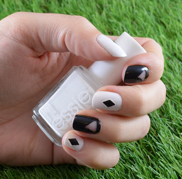 black and white cut out manicure