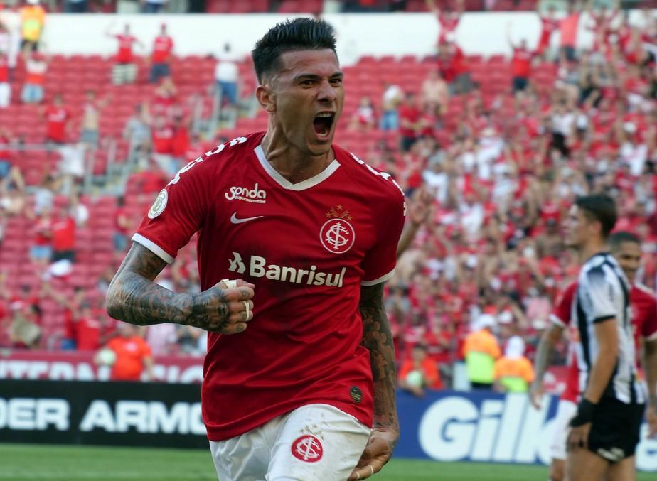 Victor Cuesta é o principal nome do Internacional a 4ª rodada do Cartola FC
