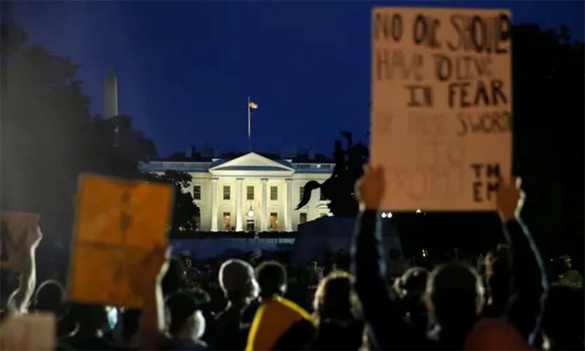 demonstran gedung putih