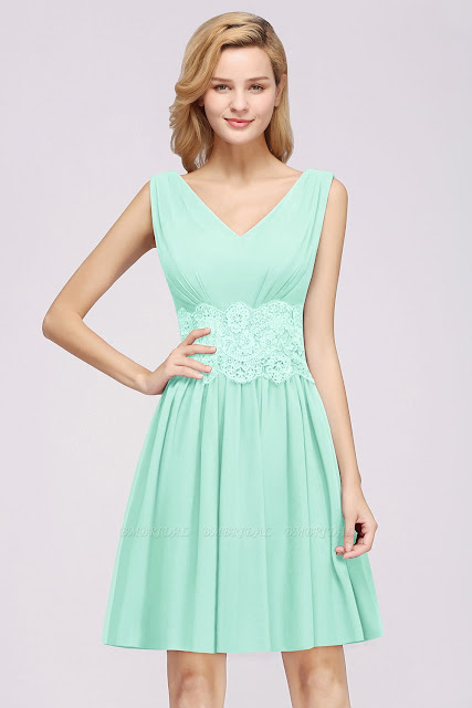 https://www.bmbridal.com/lace-v-neck-short-bridesmaid-dress-g125?cate_2=39?utm_source=blog&utm_medium=rapunzel&utm_campaign=post&source=rapunzel