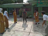 Babinsa Koramil 06/Bahorok latih Outbond dalam rangka Menanamkan kedisiplinan Siswa Siswi Sekolah SMA PEMDA