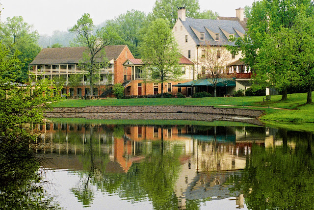The official hotel of the University of Virginia, Boars Head Hotel, a high-end resort is set on a 573-acre country estate and is 3 miles from the University and 4 miles from the Charlottesville Amtrak Station.