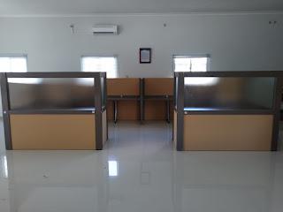 Sekat Meja Kantor Cubicle Workstation (meja partisi kantor)