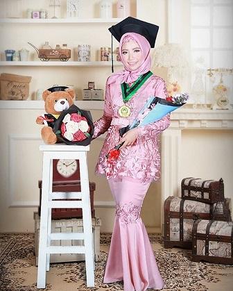 Model Kebaya Brokat Untuk Wisuda Mahasiswi Muslimah