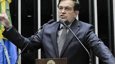 Senador Walter Pinheiro deixa o PT