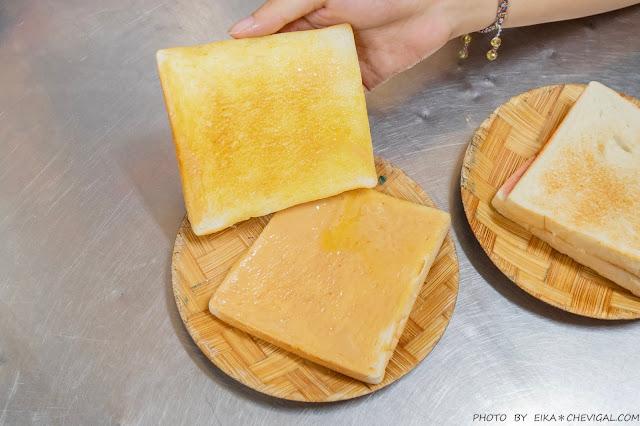 MG 8966 - 美乃屋木瓜豆沙牛乳,忠孝夜市近60年歷史人氣老店,多種果汁、烤吐司也能當宵夜!
