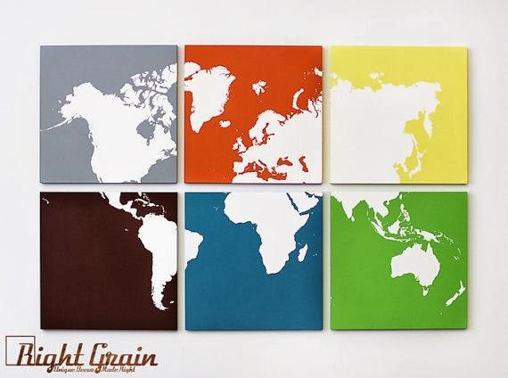 خريطة العالم بالالوان على لوحة خشبية
