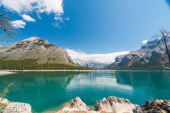 Canada y el aire de las rocosas. Lago Minnewanka-Banff