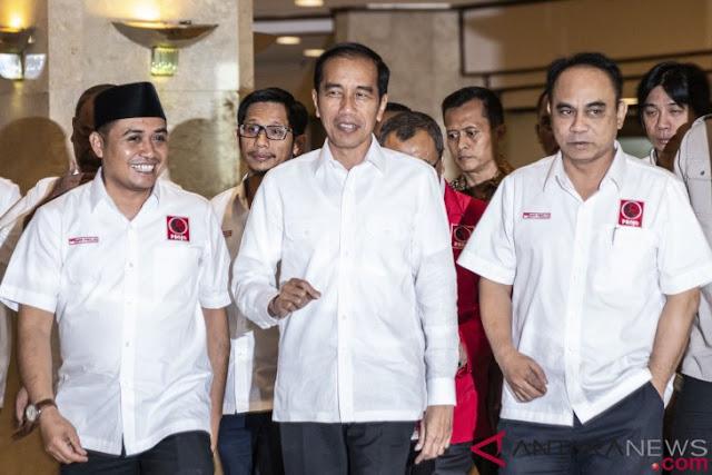 Sebut Projo Bukan Relawan Kardus, Apa Maksud Jokowi?