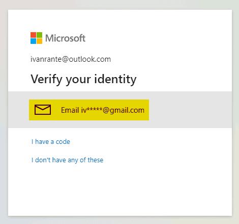 Verifikasi identitas akun outlook dengan email alternatif