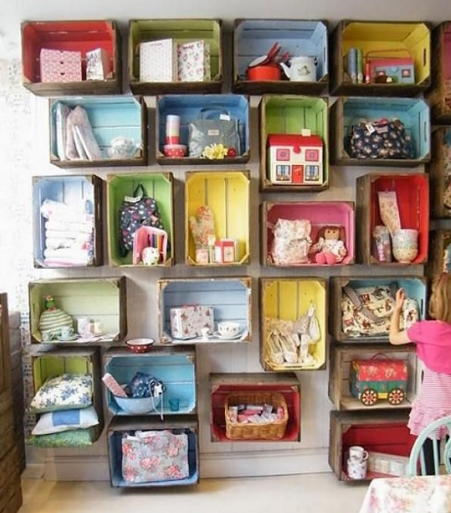 LOVELY DIY COLORED WOODEN CRATES