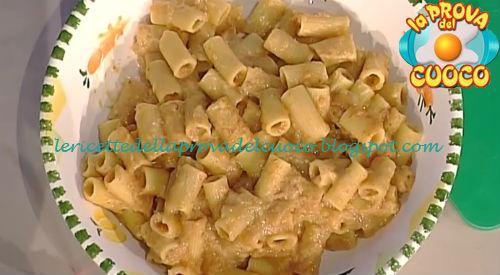 Ragù alla genovese con rigatoni ricetta Moroni da Prova del Cuoco