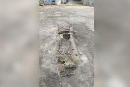 Batu Adat Milik Desa Alusi Bukjalim Roboh Akibat Ulah Sopir Camat Kormomolin