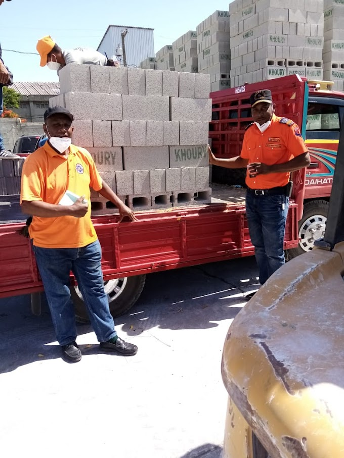 Director Regional de ala Defensa Civil agradece Block Khoury por haber  realizado la donación de mil Block