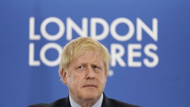 Munkapárti riválisát vádolja Boris Johnson