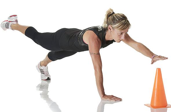 los mejores ejercicios de pectorales sin pesas