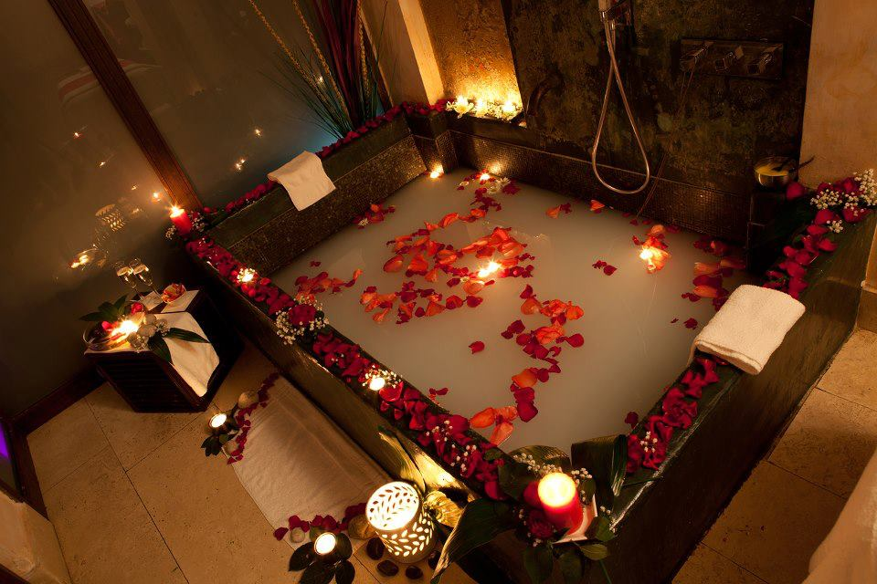 Il calderone alchemico cosmesi home made bagni e profumi nell 39 antica roma - Vasca da bagno romantica ...
