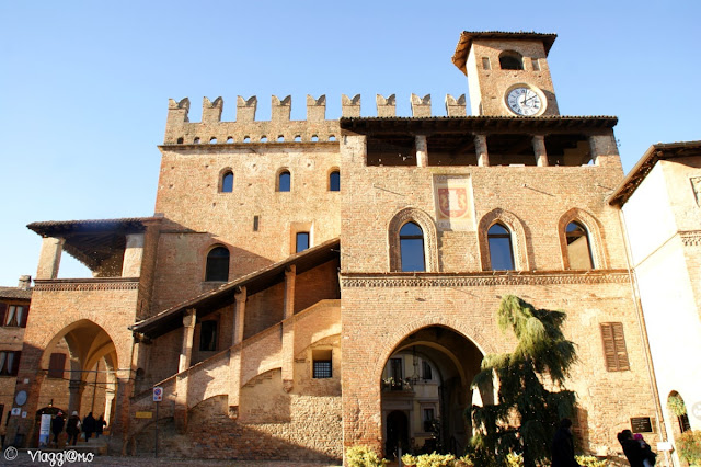 Il bellissimo Palazzo del Podestà di Castell'Arquato