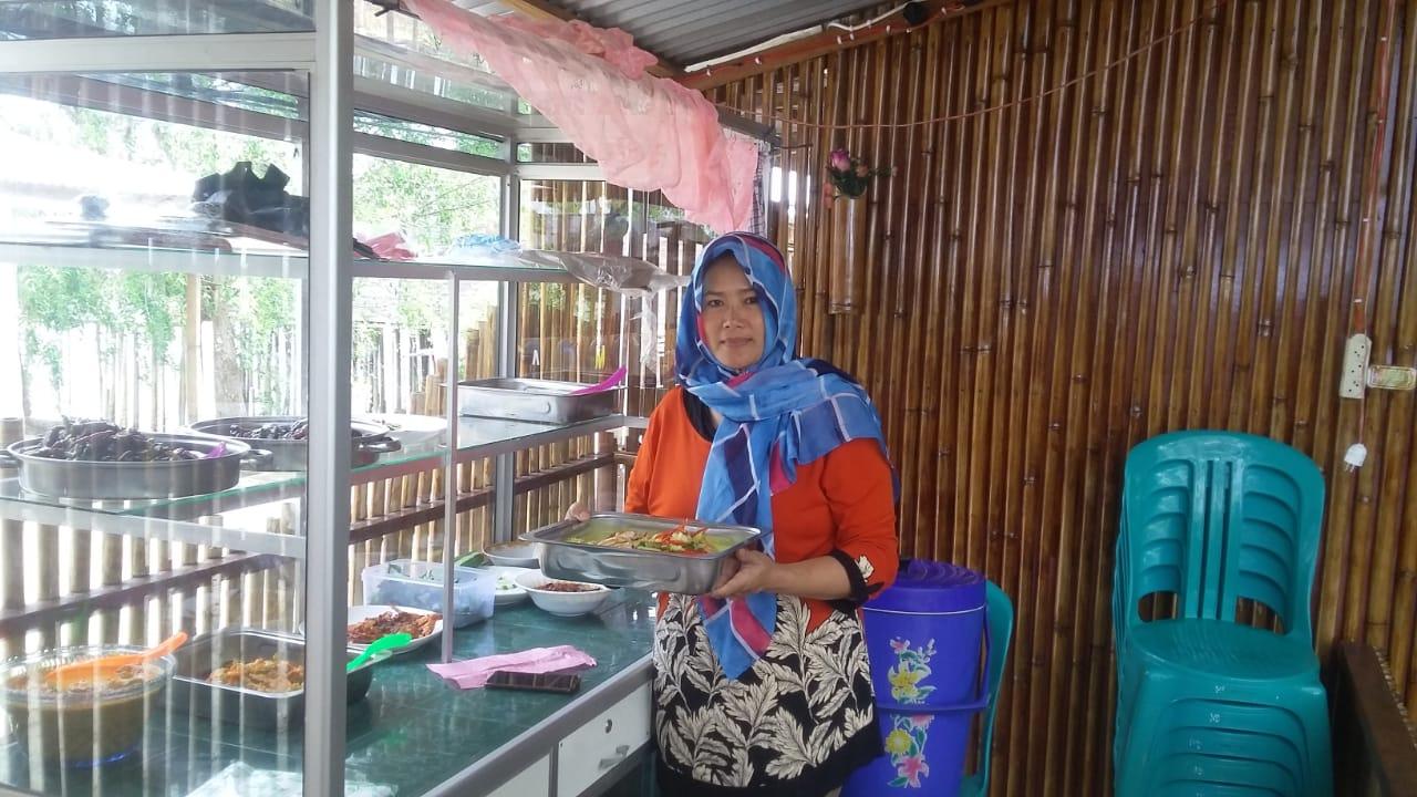 OM Cafe Kampung Laut Sajikan Makanan Seafood