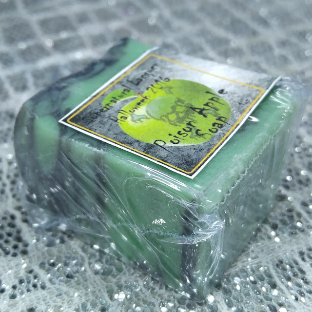 Aroma Rebel Bath & Botanical - Poison Apple Soap