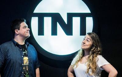 Aline Diniz e Michel Arouca comentam as indicações ao vivo no Youtube, Twitter e Facebook da TNT - Divulgação