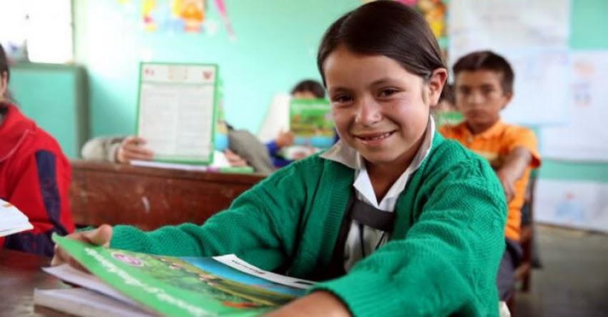 MINEDU: Más de 16 mil estudiantes de zonas rurales reciben clases semipresenciales