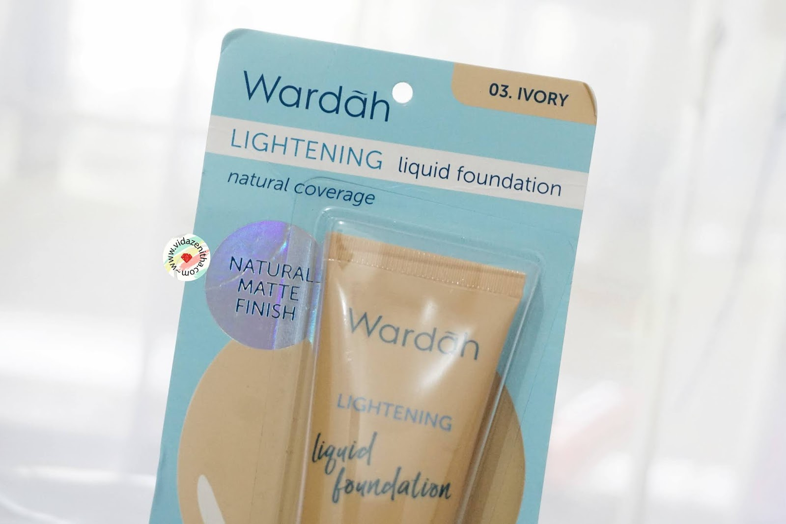 review wardah liquid foundation