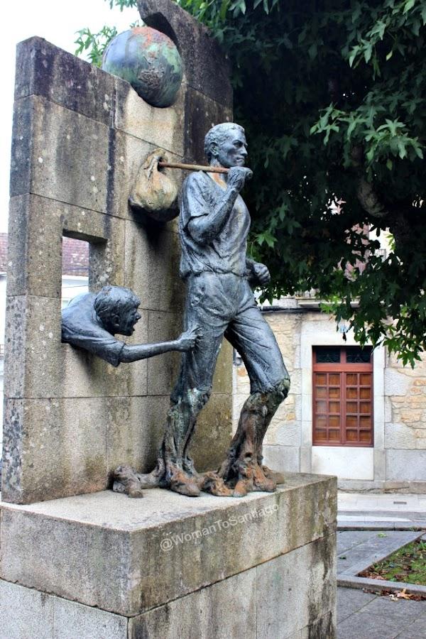 negreira-camino-de-santiago-fisterra-monumento-peregrinos