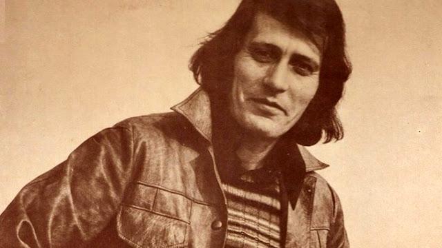 Πέθανε σε ηλικία 74 ετών ο τραγουδιστής Γιάννης Καλατζής