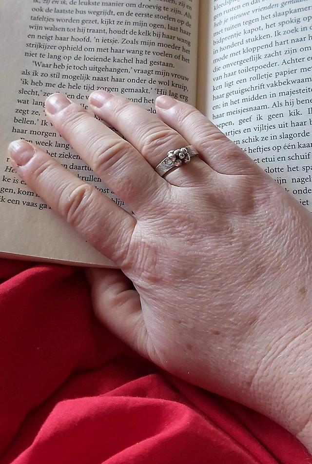 Over oude handen en bodyshaming