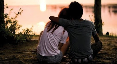 7 Perbedaan Sekedar Jatuh Cinta dengan Benar-benar Mencintai