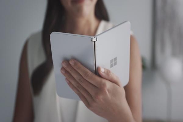 ظهور فيديوهات حديثة لجهاز مايكروسوفت الجديد Surface Duo