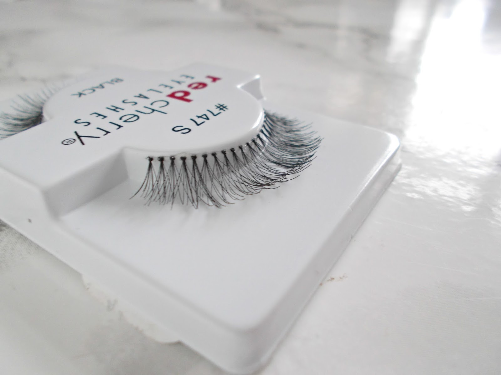red cherry false eyelashes 747s primrose review close up