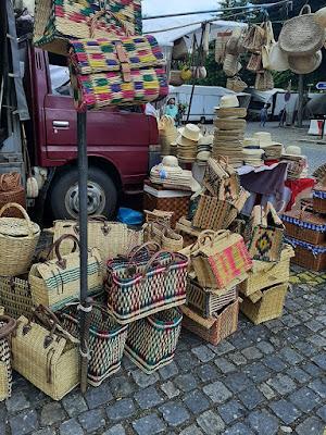 cestos de vime na Feira de BArcelos