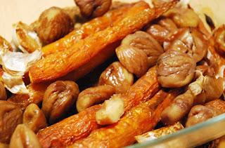 Poulet farci accompagné de carottes et châtaignes