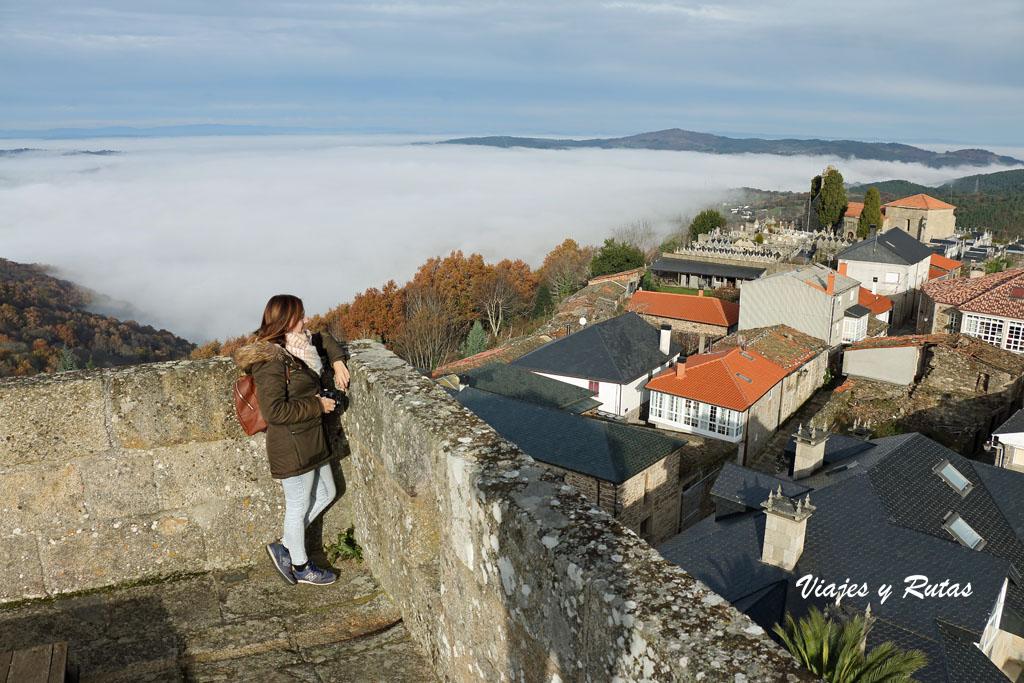 Vistas desde lo alto del castillo de Castro Caldelas