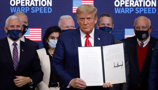 Trump firma decreto para priorizar vacuna
