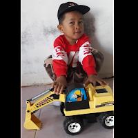 Mainan Anak Super Truck Excavator 2M