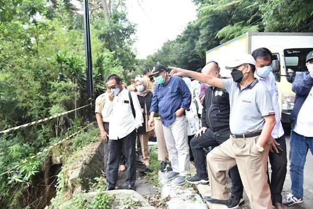 Komisi IV DPRD Jabar Tinjau Longsor  di Cisarua Lembang Jalur Menuju Curug Cimahi