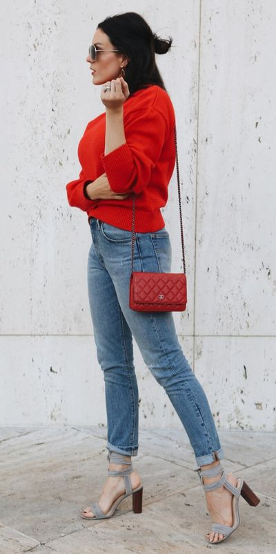 Fall in love this winter season with these cozy sweater outfits. Winter Fashion via higiggle.com | classic casual red sweater | #sweater #winter #fashion #casualoutfits