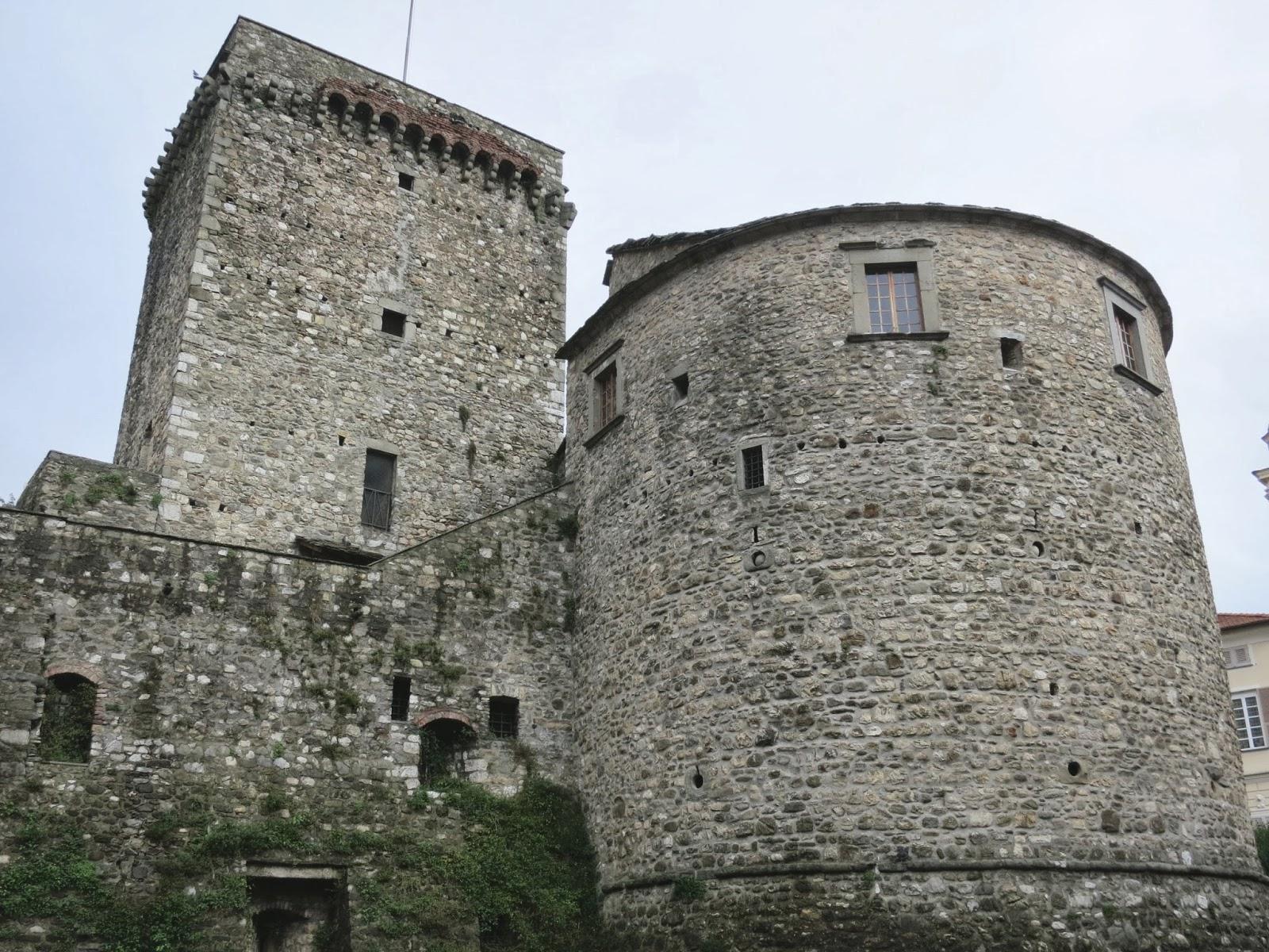 Varese Ligure   Fieschi Castle
