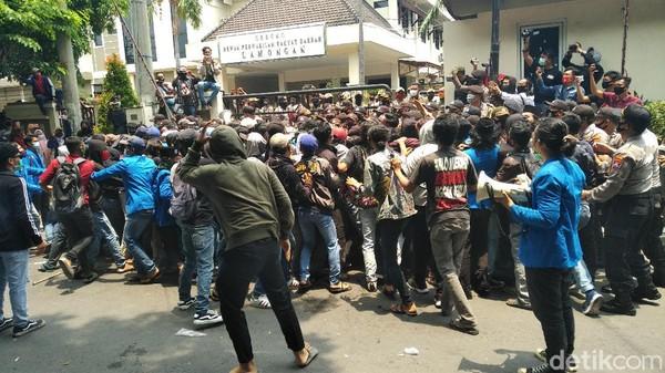 Selain Surabaya, Daerah Jatim Mana Saja yang Juga Gelar Demo Omnibus Law Besok
