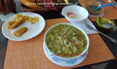 Sopa de mondongo antioqueño hecha por la abuela en casa