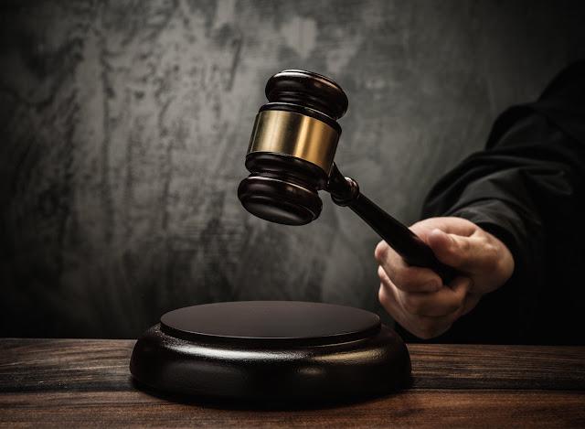 Ποιο ακριβώς Σύνταγμα εφαρμόζουν τα ελληνικά δικαστήρια;