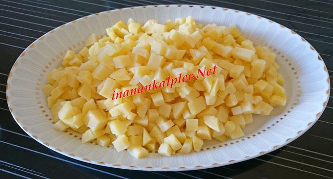 Haşlanan patatesi soğumaya bırak
