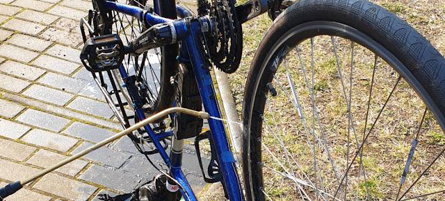 Fahrrad mit Drucksprüher reinigen