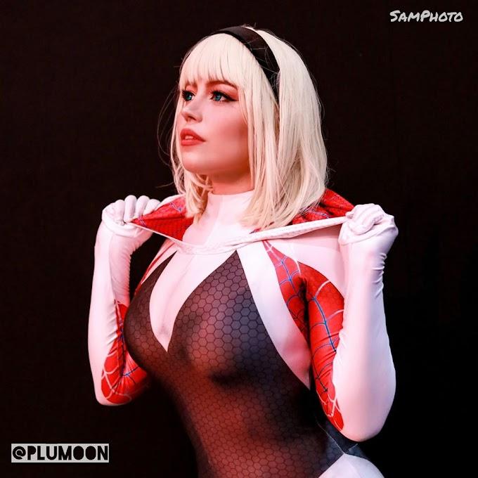 Plu Moon con su cosplay de Spider Gwen